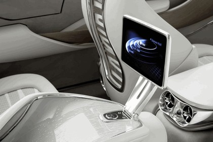 2010 Mercedes-Benz F 800 Style Research Vehicle 118