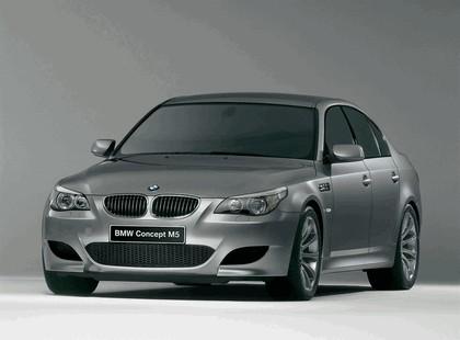 2004 BMW M5 concept 1