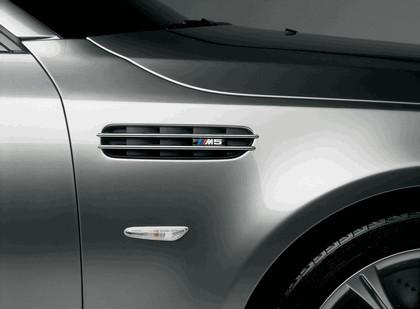 2004 BMW M5 concept 6