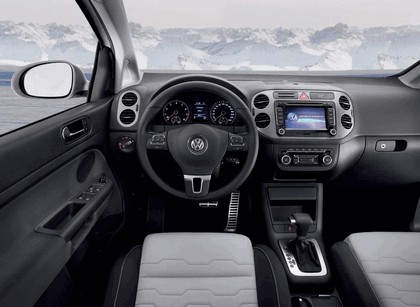 2010 Volkswagen Cross Golf 8