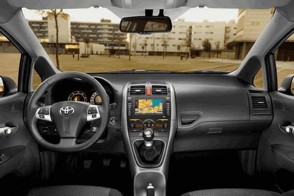 2010 Toyota Auris 46