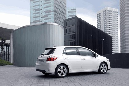 2010 Toyota Auris HSD 72