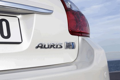 2010 Toyota Auris HSD 105