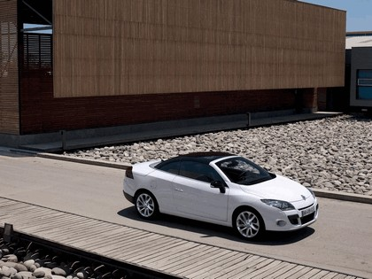 2010 Renault Megane CC 41