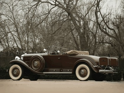 1930 Cadillac V16 452 roadster by Fleetwood 6
