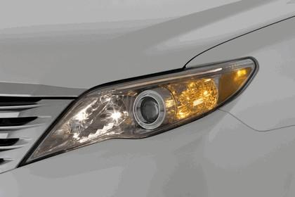 2011 Toyota Avalon 61