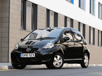 2010 Toyota Aygo Black - UK version 1