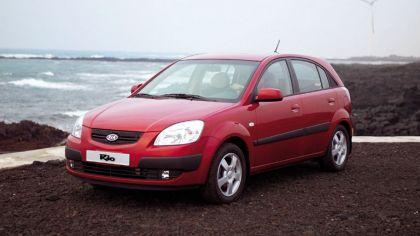 2005 Kia Rio 5-door 3