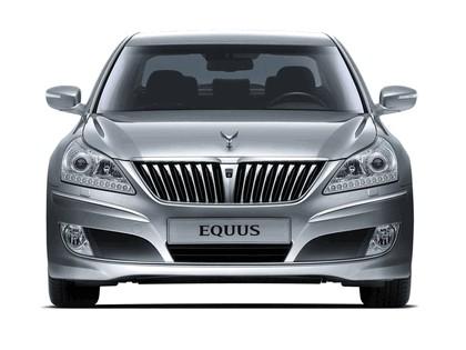 2010 Hyundai Equus 11