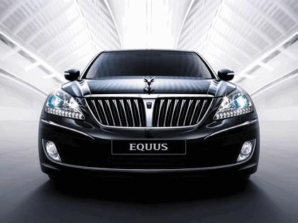 2010 Hyundai Equus 24