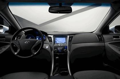 2010 Hyundai Sonata Hybrid 13