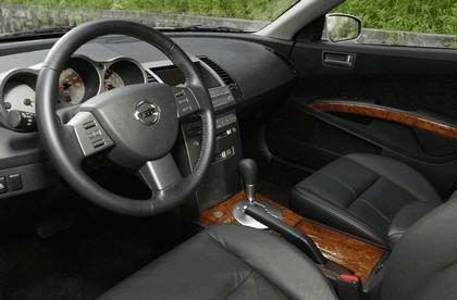 2004 Nissan Maxima 14
