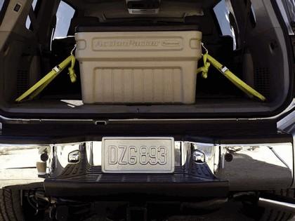 2004 Nissan Pathfinder Armada SE 10