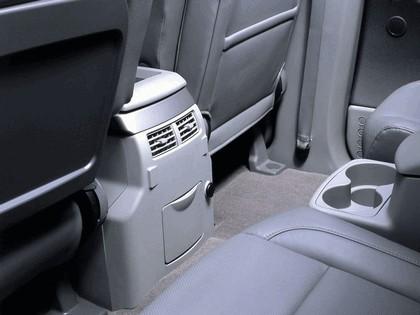 2004 Nissan Pathfinder Armada SE 13