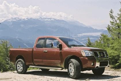 2004 Nissan Titan 2