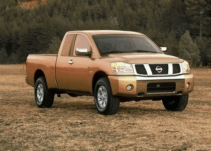 2004 Nissan Titan 12