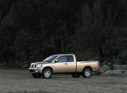 2004 Nissan Titan 23