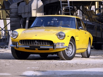 1965 Ferrari 330 GT 2+2 series II 1