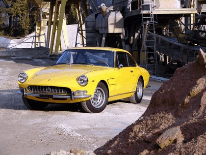 1965 Ferrari 330 GT 2+2 series II 3