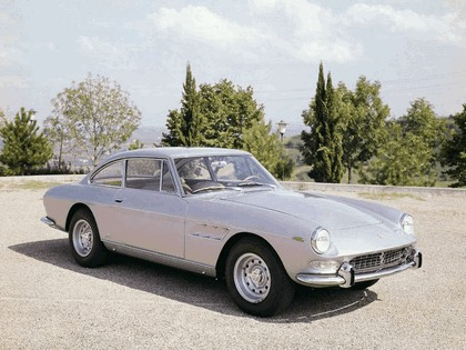 1965 Ferrari 330 GT 2+2 series II 9