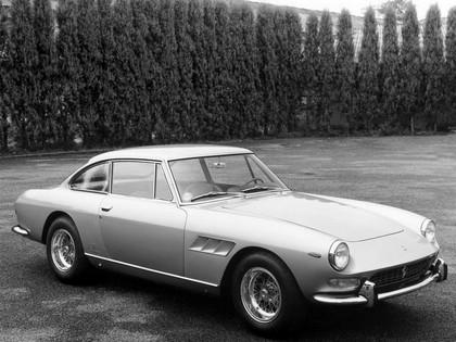 1965 Ferrari 330 GT 2+2 series II 10