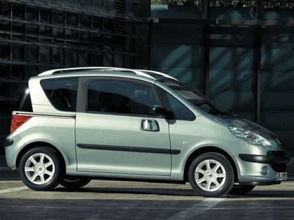 2004 Peugeot 1007 15