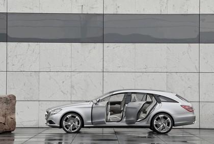 2010 Mercedes-Benz Shooting Break concept 14