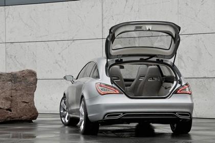 2010 Mercedes-Benz Shooting Break concept 22