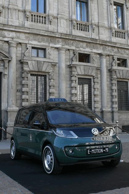 2010 Volkswagen Milano Taxi concept 17