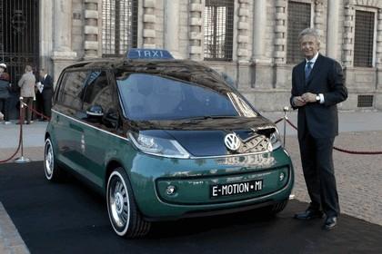 2010 Volkswagen Milano Taxi concept 18