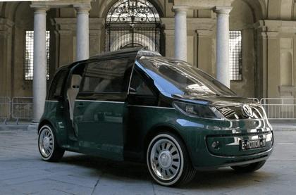 2010 Volkswagen Milano Taxi concept 24