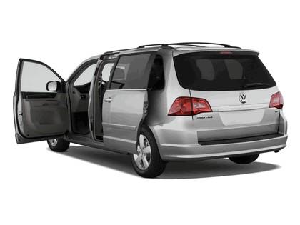 2008 Volkswagen Routan 7