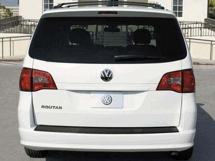 2008 Volkswagen Routan 15