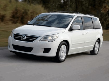 2008 Volkswagen Routan 16