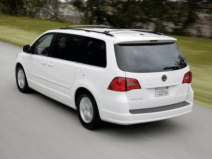 2008 Volkswagen Routan 17