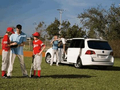 2008 Volkswagen Routan 20