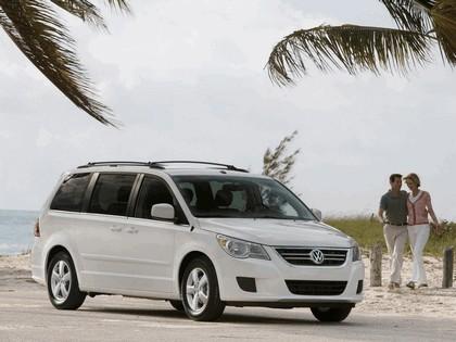 2008 Volkswagen Routan 21