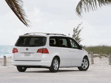 2008 Volkswagen Routan 22