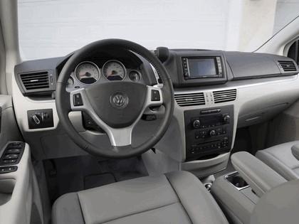 2008 Volkswagen Routan 24