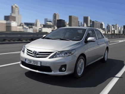 2010 Toyota Corolla sedan 1
