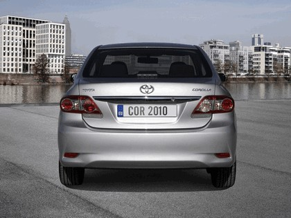 2010 Toyota Corolla sedan 8