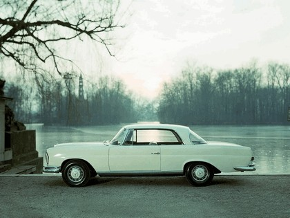 1961 Mercedes-Benz 220SE coupé ( W111 ) 5