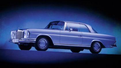 1961 Mercedes-Benz 220SE coupé ( W111 ) 4