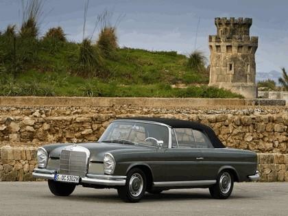 1963 Mercedes-Benz 220SE cabriolet ( W111 ) 2