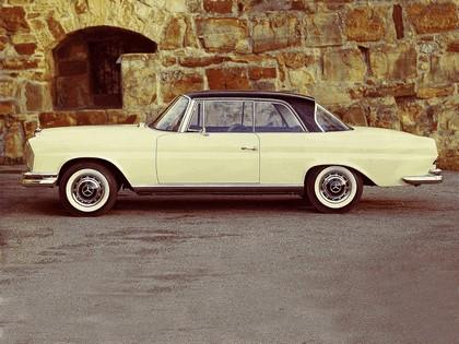1965 Mercedes-Benz 250SE coupé ( W111 ) 2