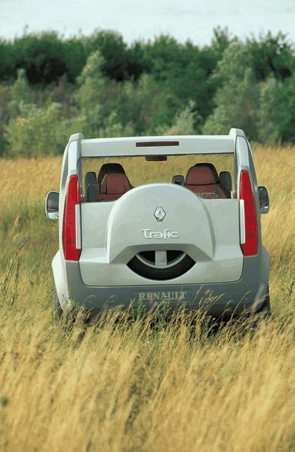 2004 Renault Trafic Deckup concept 12