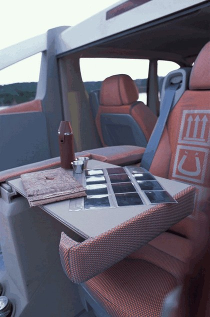 2004 Renault Trafic Deckup concept 25