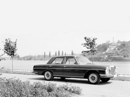 1968 Mercedes-Benz 280SE ( W108 ) 2