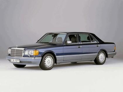 1985 Mercedes-Benz 560SEL ( W126 ) 4