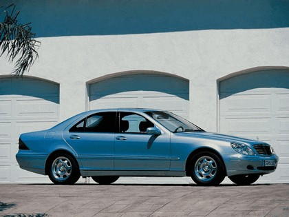 1998 Mercedes-Benz S320 ( W220 ) 1